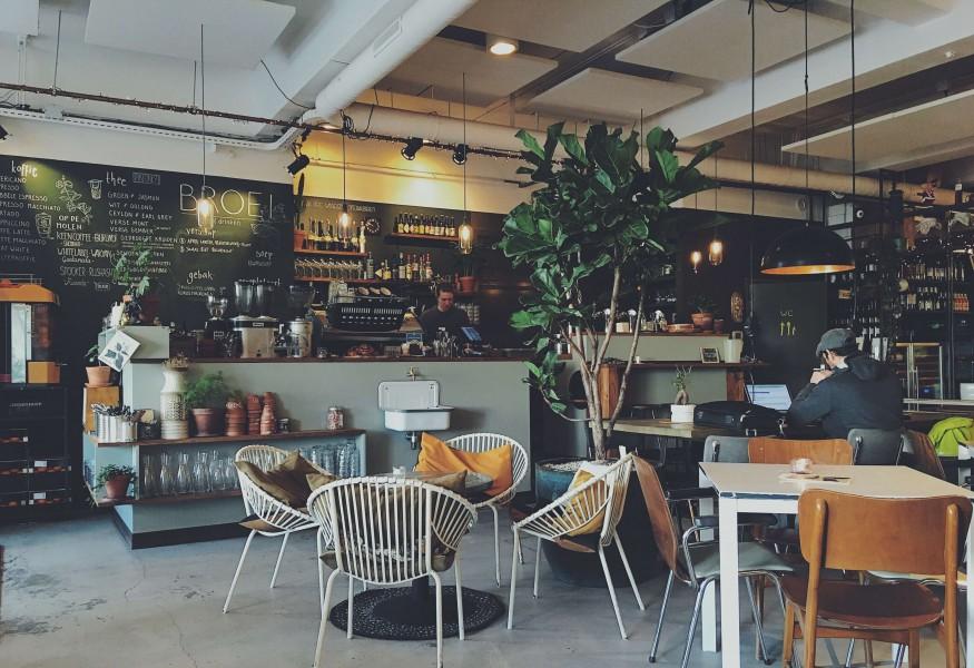 居酒屋やカフェなどの飲食店にかかる内装工事費