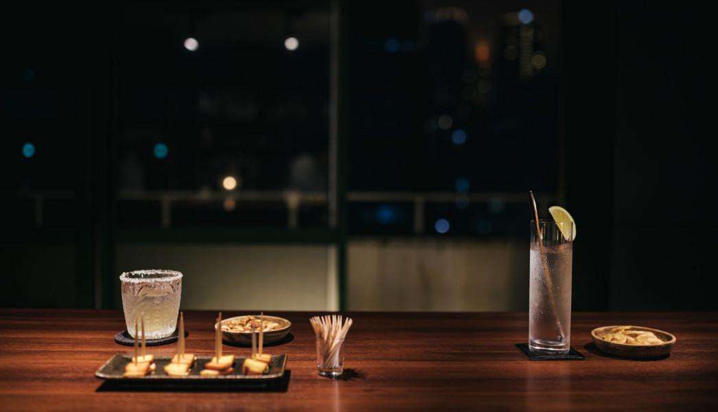 お酒のみならず食事やコミュニケーションも店内の雰囲気が影響する