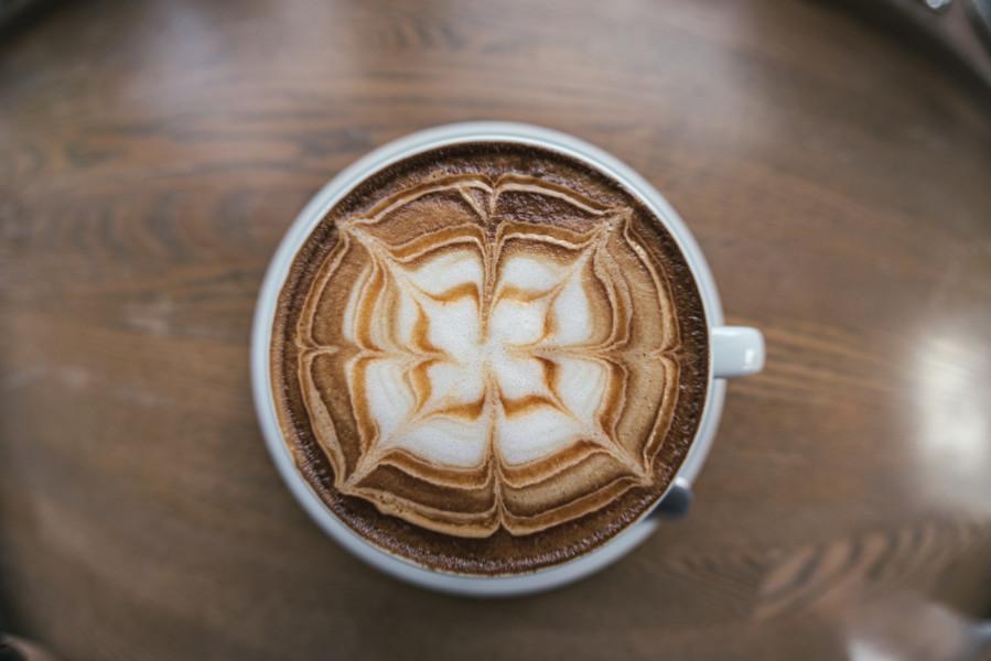 カフェの内装デザインはポイントを抑えて順を追えばスムーズに設計できる