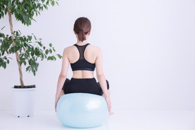 体幹、インナーマッスルを鍛えるための人気器具①バランスボール