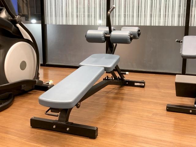 筋肉を鍛えるための人気マシン③トレーニングベンチ