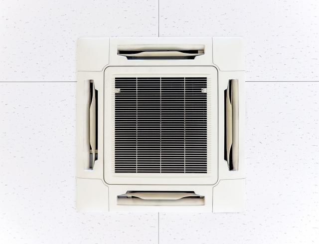店舗内の換気設備と内装を考慮する
