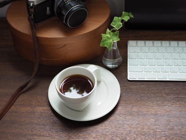 カフェを利用して働くユーザーは何を求めているか