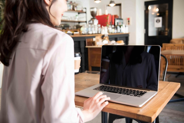 カフェもコワーキングスペースも居心地の良さが仕事効率を向上させる