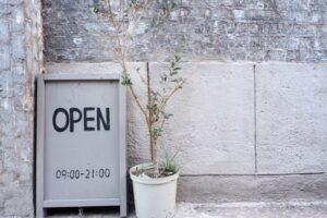 内装施工会社が伝える、おしゃれなカフェ内装を作るヒント