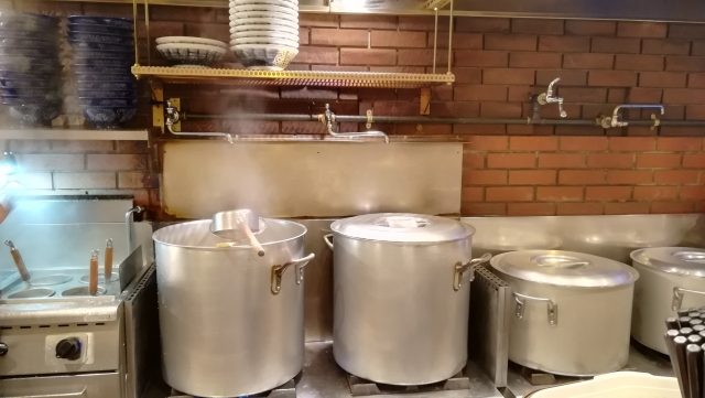 飲食店開業時に必要な厨房機器をリースで導入するメリットとデメリットとは?