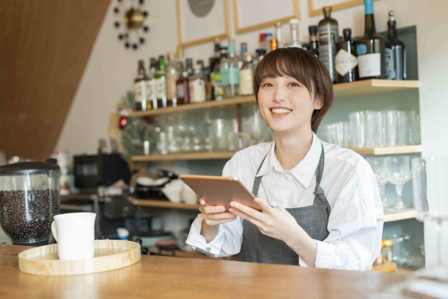 オープンキッチンのメリット②:お客様との距離が近い為オペレーションしやすくなる