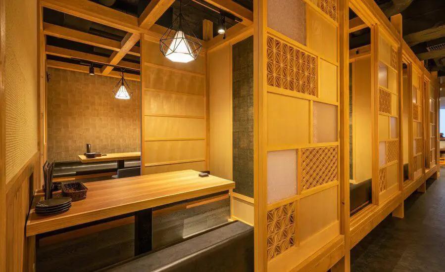 和風デザインの飲食店;いぶり 有楽町店