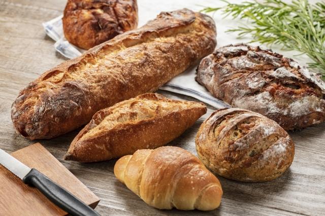 まとめ:パン屋の内装は雰囲気作りとパンの魅せ方が重要です