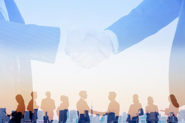 事業再構築補助金の対象と申請枠②中堅企業の通常枠とグローバルV字回復枠