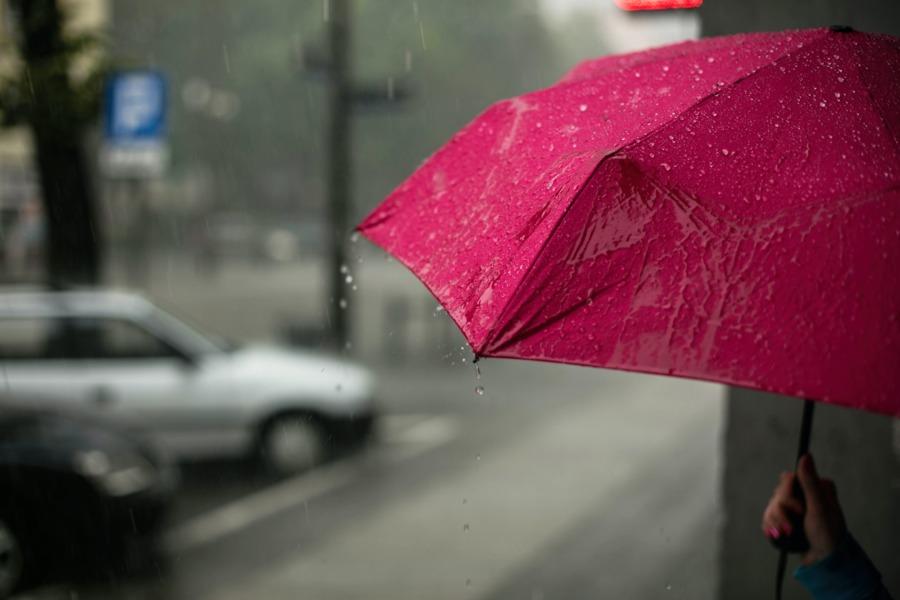 オープンエアのデメリットは天候
