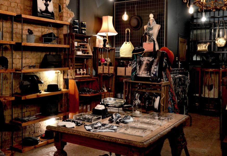 雑貨屋の内装デザインを決めるステップ④:コンセプトやスタイルに合わせてインテリア、什器を選ぶ