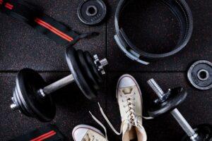 安心してトレーニングができる非接触型のスポーツジムの内装デザイン